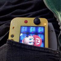 Esta es la Nintendo 64 más pequeña del mundo, con sus componentes originales reducidos a la mínima expresión