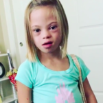 """""""El síndrome de Down no da miedo, es emocionante"""": el inspirador mensaje de una niña de siete años portadora del trastorno"""