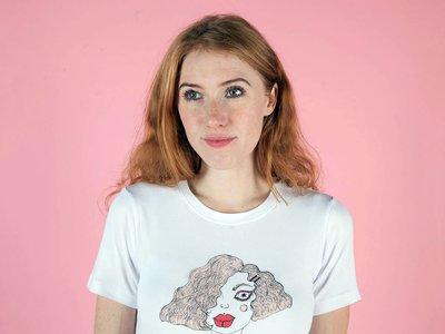 Isabella, la hija de Nicole Kidman y Tom Cruise, entra en el mundo de la moda y presenta su primera colección de camisetas