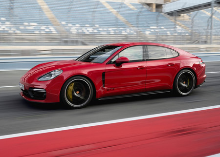 El Porsche Panamera GTS 2019 es el balance perfecto entre distinción, velocidad y lujo