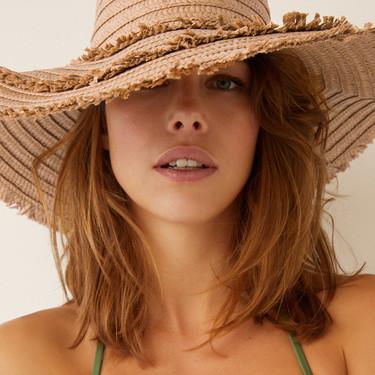 Beach hats de tendencia: los sombreros de playa con los que conseguir los looks más estilosos
