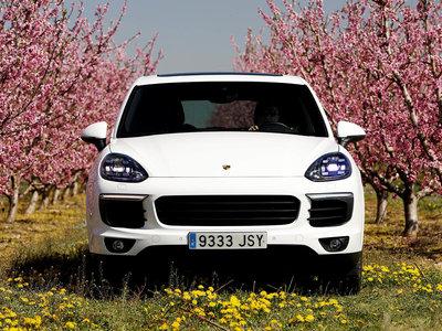 Probamos el Porsche Cayenne Diesel de ruta por los Pirineos. ¿Es realmente el coche definitivo?