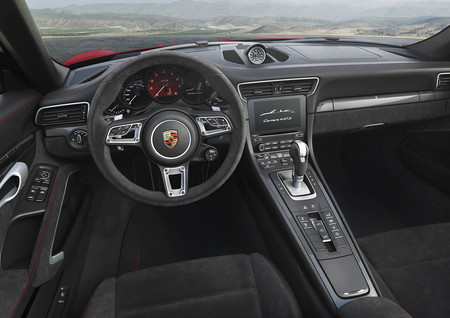 Porsche 911 Carrera GTS 2017 interior