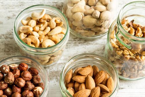 Los frutos secos con más grasas sanas para tu organismo (y 27 recetas para incluirlos en tu alimentación)