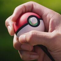 Cómo funciona la Poké Ball Plus y para qué sirve