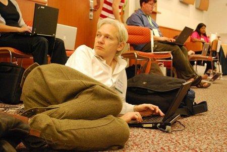 WikiLeaks / Estados Unidos pide ayuda a sus aliados para detener a Julian Assange