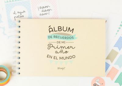 ¡Hola mundo! Precioso álbum para guardar los recuerdos del primer año del bebé