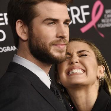 Miley Cyrus consigue que el traje masculino le quede mejor que a su marido con este esmoquin