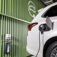 Casi todo el plan MOVES para comprar coches eléctricos se queda en Andalucía, Cataluña y Madrid