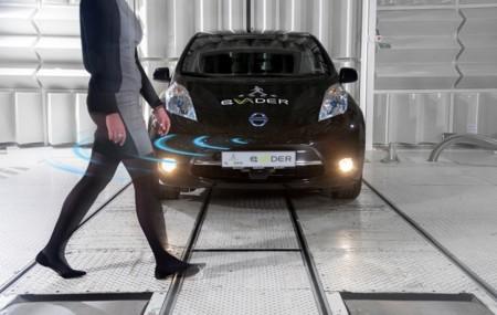 Nissan innova con un sistema de alerta auditiva para peatones en autos eléctricos