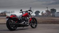 Harley Davidson Breakout, dragster ciudadano civilizado