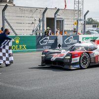 El Toyota #8 vuelve a ganar las 24 horas de Le Mans aprovechando las averías de sus compañeros de equipo