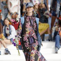 Foto 18 de 24 de la galería desigual-ha-sido-la-firma-encargada-de-inaugurar-la-primera-edicion-de-la-pasarela-mercedes-benz-fashion-week-ibiza en Trendencias