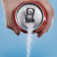 Guerra al azúcar: Cataluña aplica el impuesto a las bebidas azucaradas mientras Hacienda lo aparca