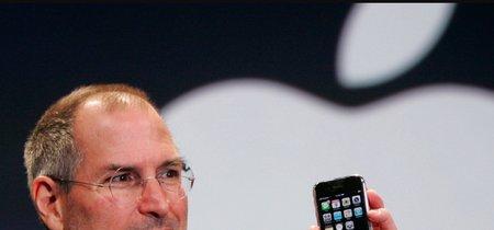 """El iPhone original podría haber tenido un botón """"atrás"""" junto al de inicio, asegura un nuevo libro"""
