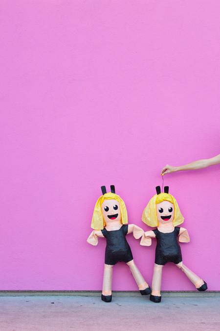 Diy Dancing Girls Emoji Pinata1