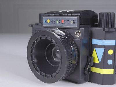 Montar tu propia cámara analógica en un rato y sin entender de fotografía: así es la Lomography Konstruktor F