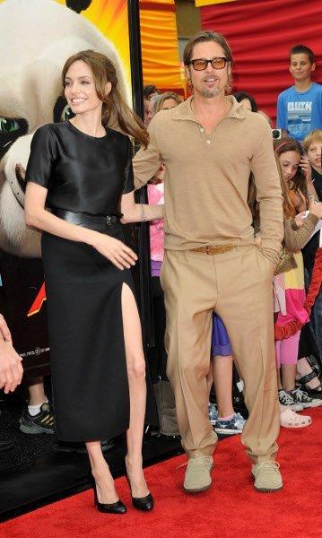 Brad Pitt sigue dando de qué hablar con sus looks monocolor, ahora en beige