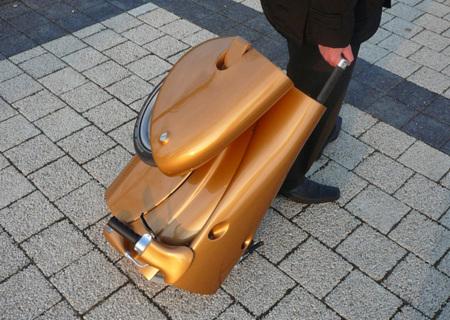 Moveo: con la moto a cuestas, como si fuera una maleta