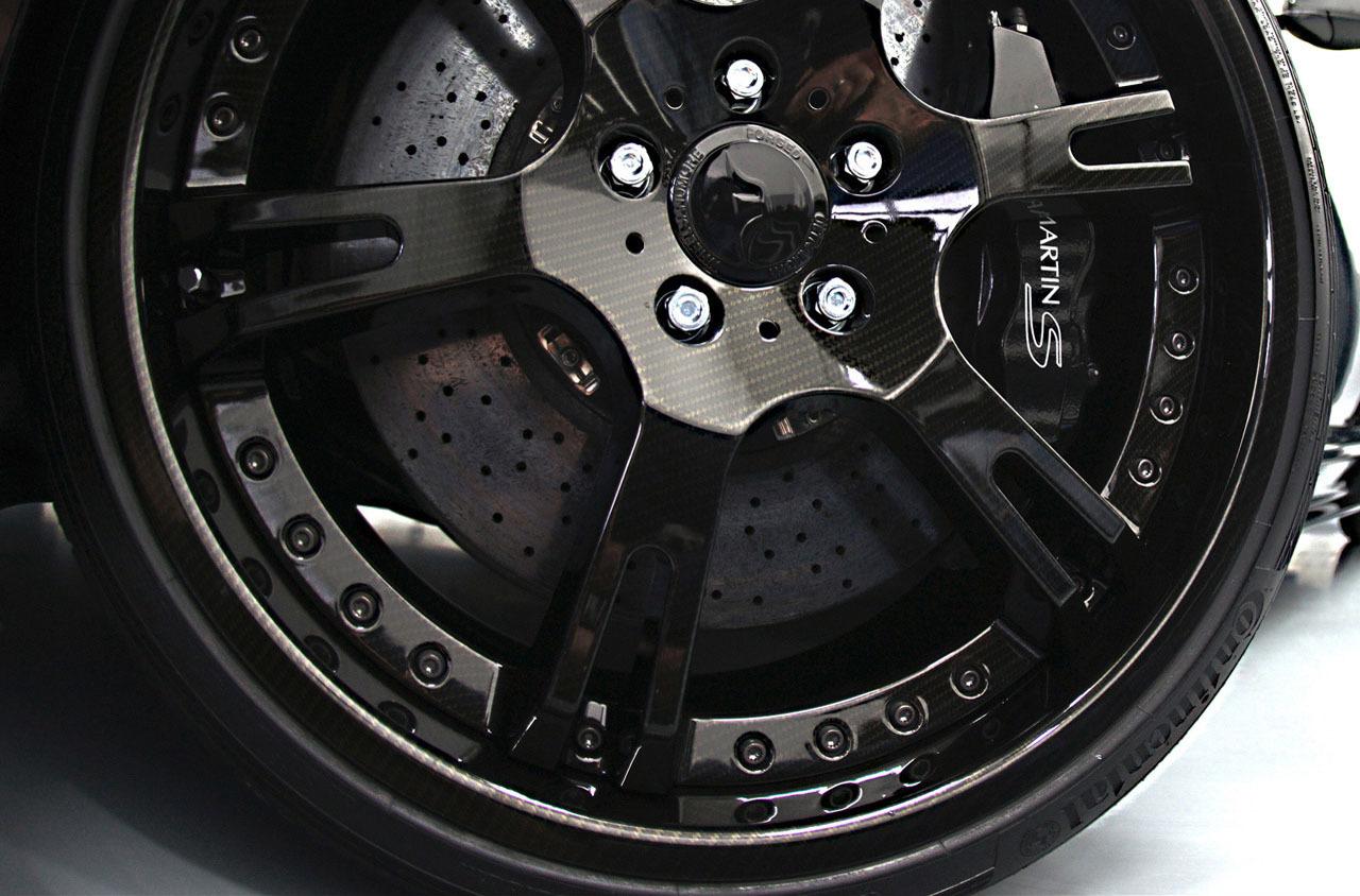 Foto de Wheelsandmore Aston Martin DBS Carbon Edition (7/14)