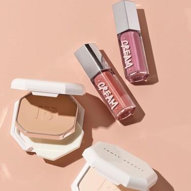 Terminamos el año estrenando las novedades de Fenty Beauty: la nueva base de maquillaje en polvo y sus nuevos glosses