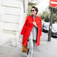 El abrigo rojo que le queremos copiar a Coco Rocha (y a Garance Doré)
