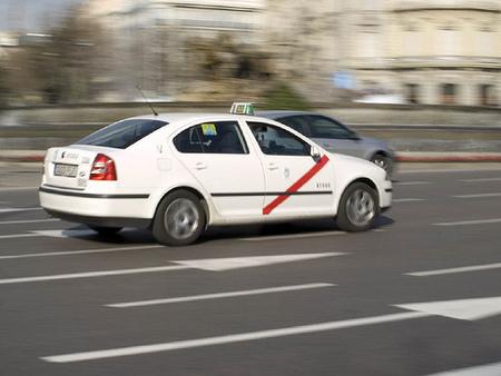 La Ley Omnibus ha cedido a las presiones de los taxistas