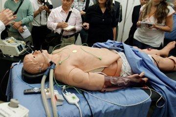 Novedoso simulador de paciente humano