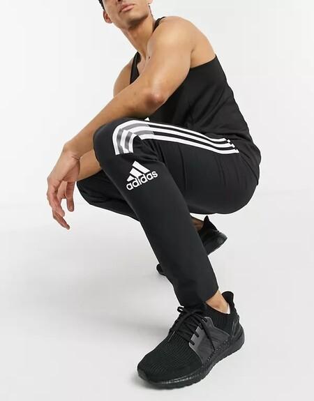 Los Pantalones Deportivos Que Necesitas Para Entrenar Al Aire Libre Son Tambien Los Mas Estilosos Para Los Dias De Otono
