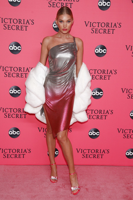 Elsa Hosk victoria secret red carpet