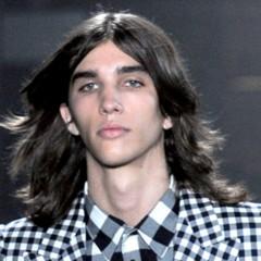 Foto 11 de 20 de la galería cortes-de-pelo-para-la-primavera-2012-los-pienados-de-pasarela-i en Trendencias Hombre