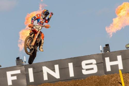 Jeffrey Herlings vuelve a incendiar MXGP en Turquía y Jorge Prado sigue arransando en MX2