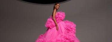 Los vestidos con grandes volúmenes, París y Joan Smalls son los protagonistas de la colección Alta Costura de Giambattisa Valli