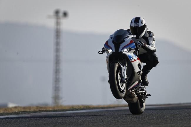 BMW S 1000 RR: 207 CV para una Superbike 10 kg más ligera, tecnológica y radical que nunca