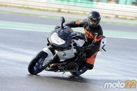Toma de contacto: Suzuki GSXR600 y BMW HP2 Sport