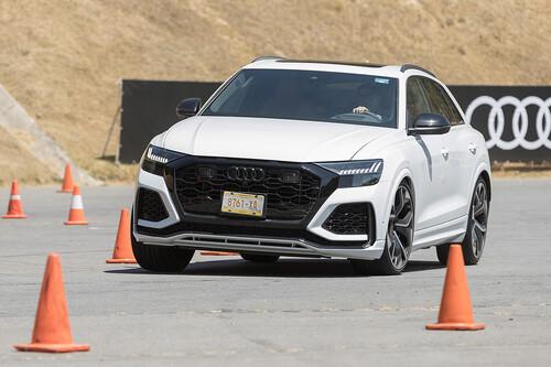 Manejamos el Audi RS Q8, el primo del Lamborghini Urus es una delicia en pista y en carretera