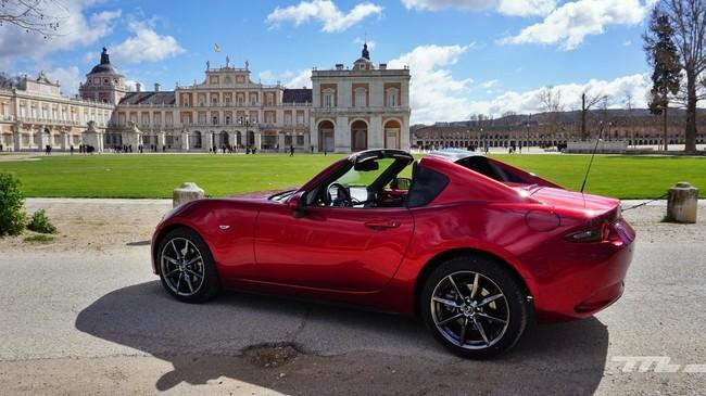 Ruta en coche para disfrutar: con el Mazda MX-5 RF por Las Vegas de Madrid
