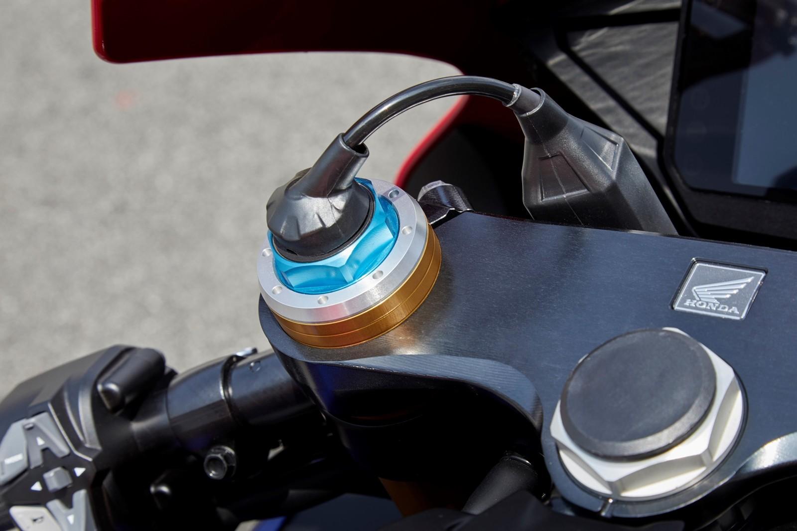 Foto de Honda CBR1000RR-R SP Fireblade 2020 (4/35)