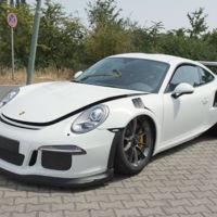 Dolorpasión™: El Porsche 911 GT3 RS, la mujer y la pistola nunca se prestan