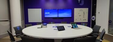 El futuro del trabajo híbrido, según Microsoft: montan una sala ideal en Madrid con todo lo que tiene que tener