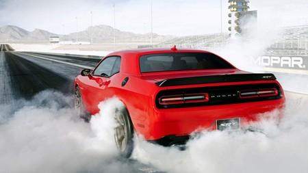 FCA llama a revisión a más de 1.200 Dodge Challenger y Charger por pérdidas catastróficas de aceite