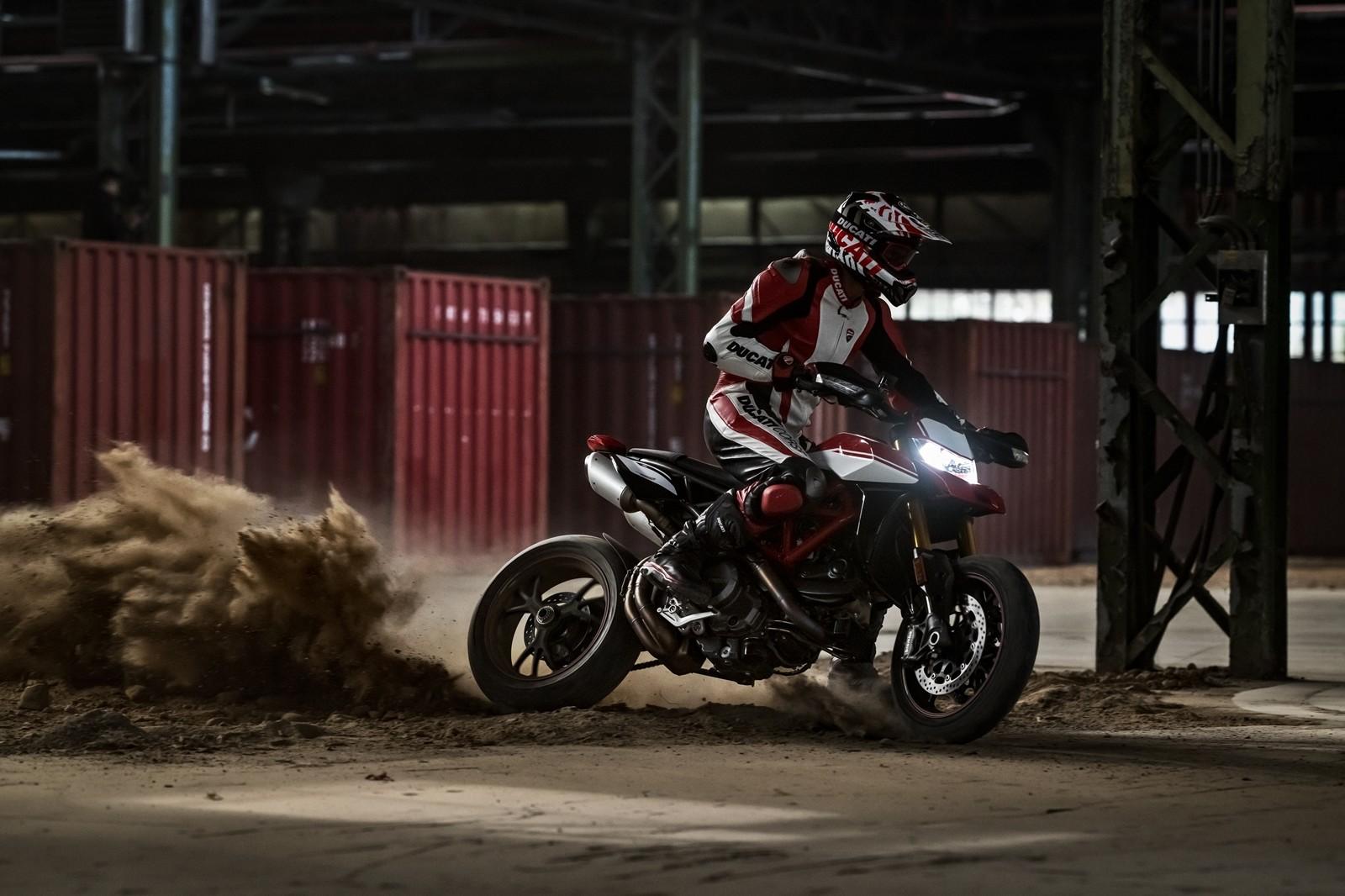 Foto de Ducati Hypermotard 950 2019 (24/76)