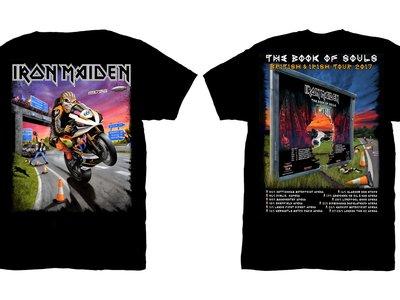 ¡Motos y heavy metal! Iron Maiden rinde tributo al Tourist Trophy con la camiseta de su gira 2017