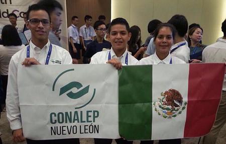 Estudiantes mexicanos de bachillerato obtienen bronce en Mundial de Informática en Corea