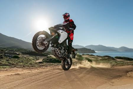 ¡Ropiendo barreras! Con la Ducati Multistrada 1200 S Enduro podrás lanzarte a por los viajes de aventura