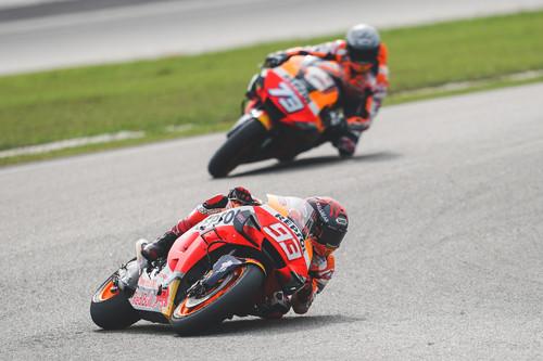 Marc Márquez rescata el viejo valor de la fidelidad y pasa de la moda de ganar con varias marcas en MotoGP