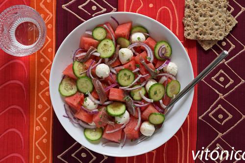 Ensalada de sandía, mozzarella y anchoas: receta saludable