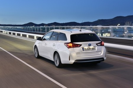 Toyota Auris TS trasera