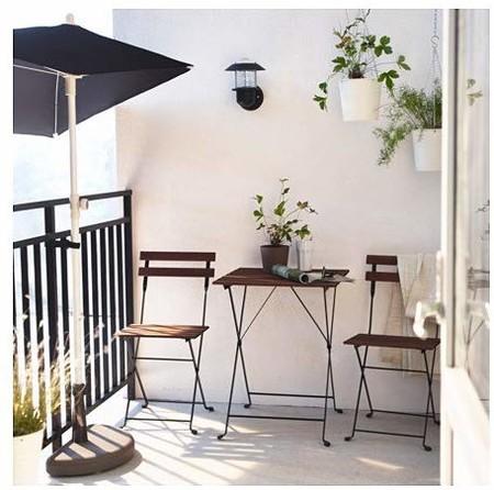 Conjunto de mesas y sillas para terrazas pequeñas