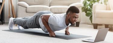 Una rutina de entrenamiento en casa sin material de nivel medio